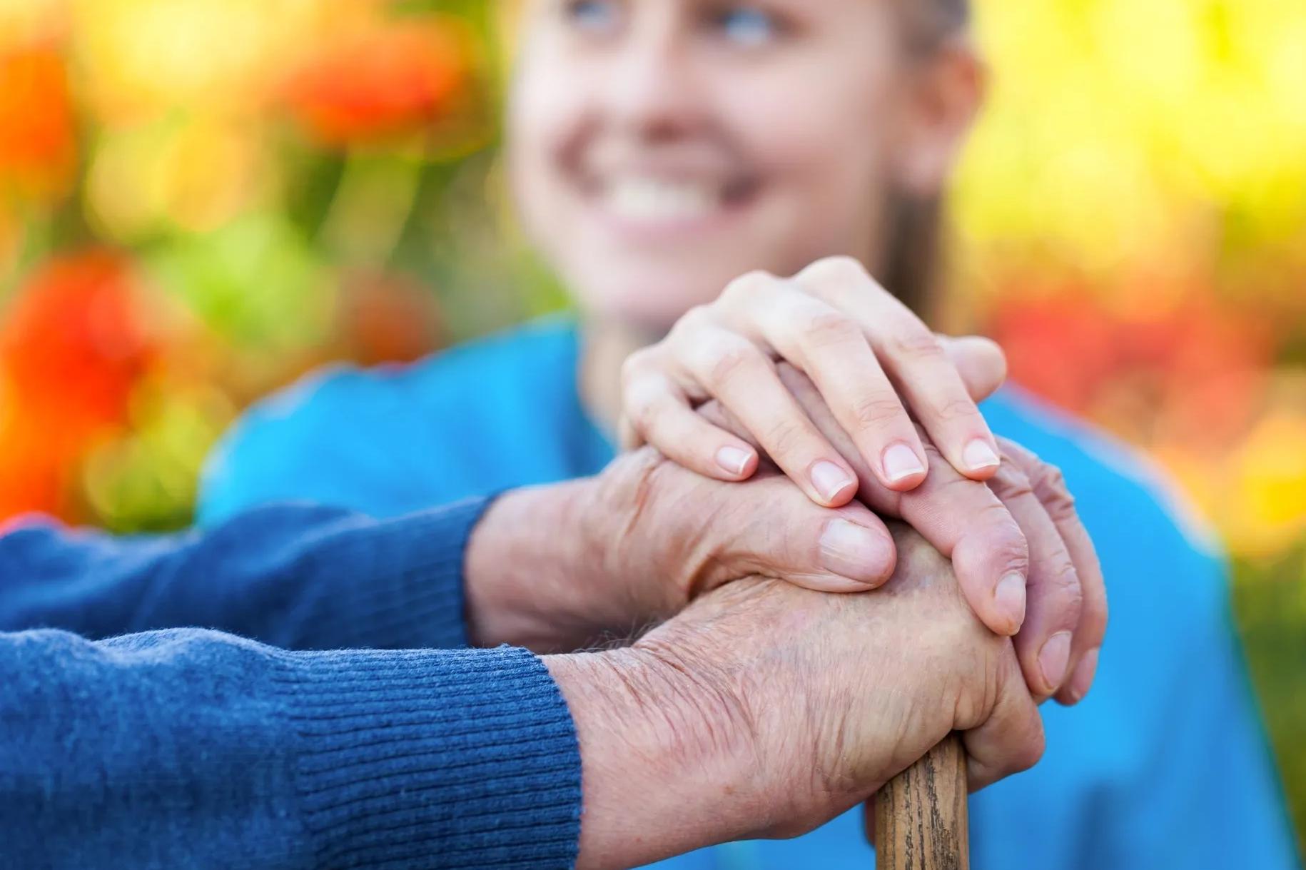 Мы вместе! Помощь оказывают волонтеры и социальные работники