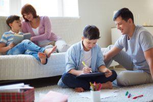 В нерабочие дни ограничьте круг общения, побудьте с семьей