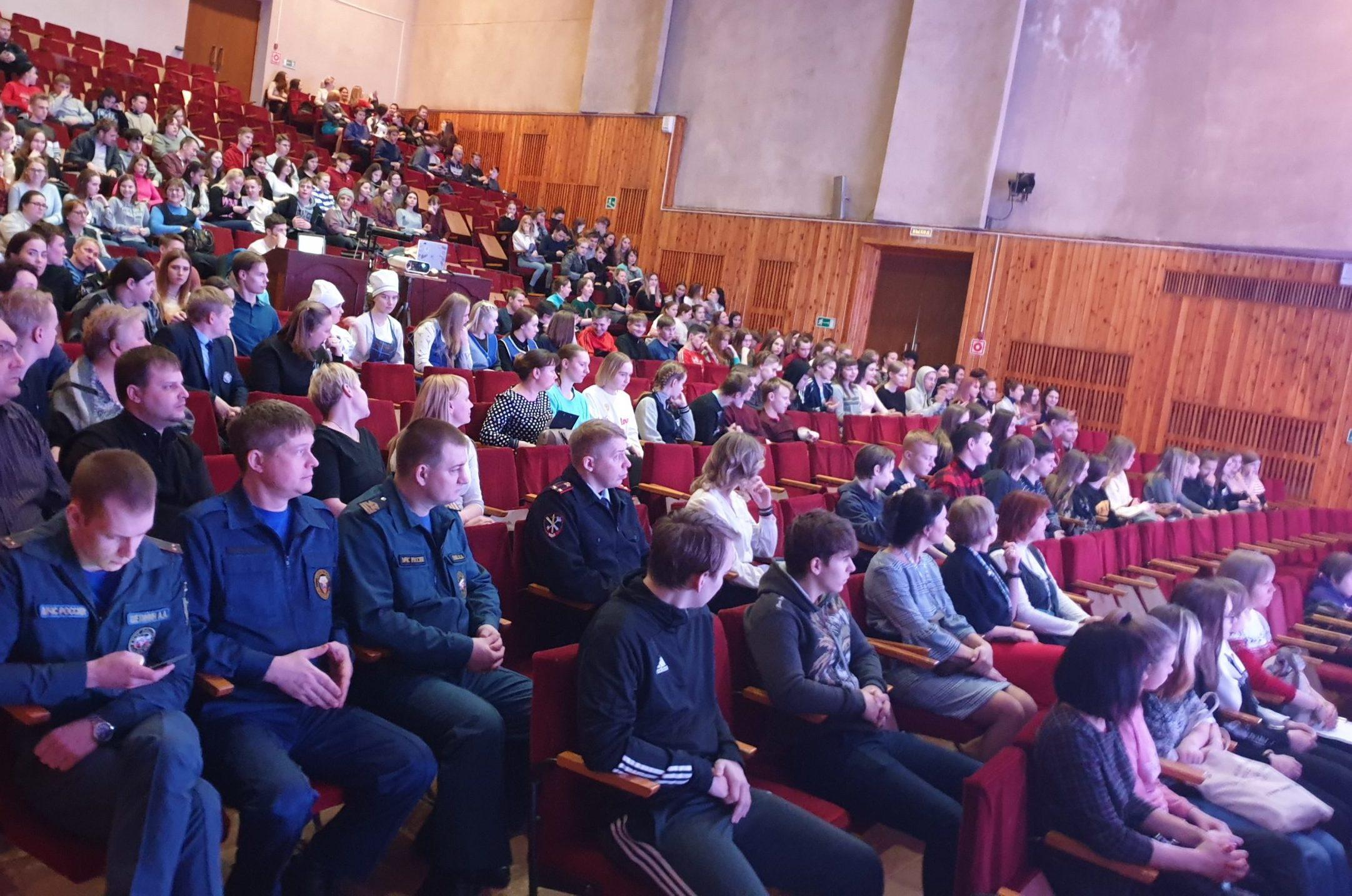 В Онеге состоялось масштабное профориентационное мероприятие «Город профессий»