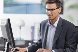 Сведения о приеме и увольнении сотрудников работодатели обязаны предоставлять в течении следующего рабочего дня