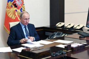 Главной задачей российских властей остается поддержка занятости и стабильность доходов граждан