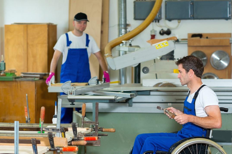 Правительство региона поддержало организации, в которых работают люди с инвалидностью