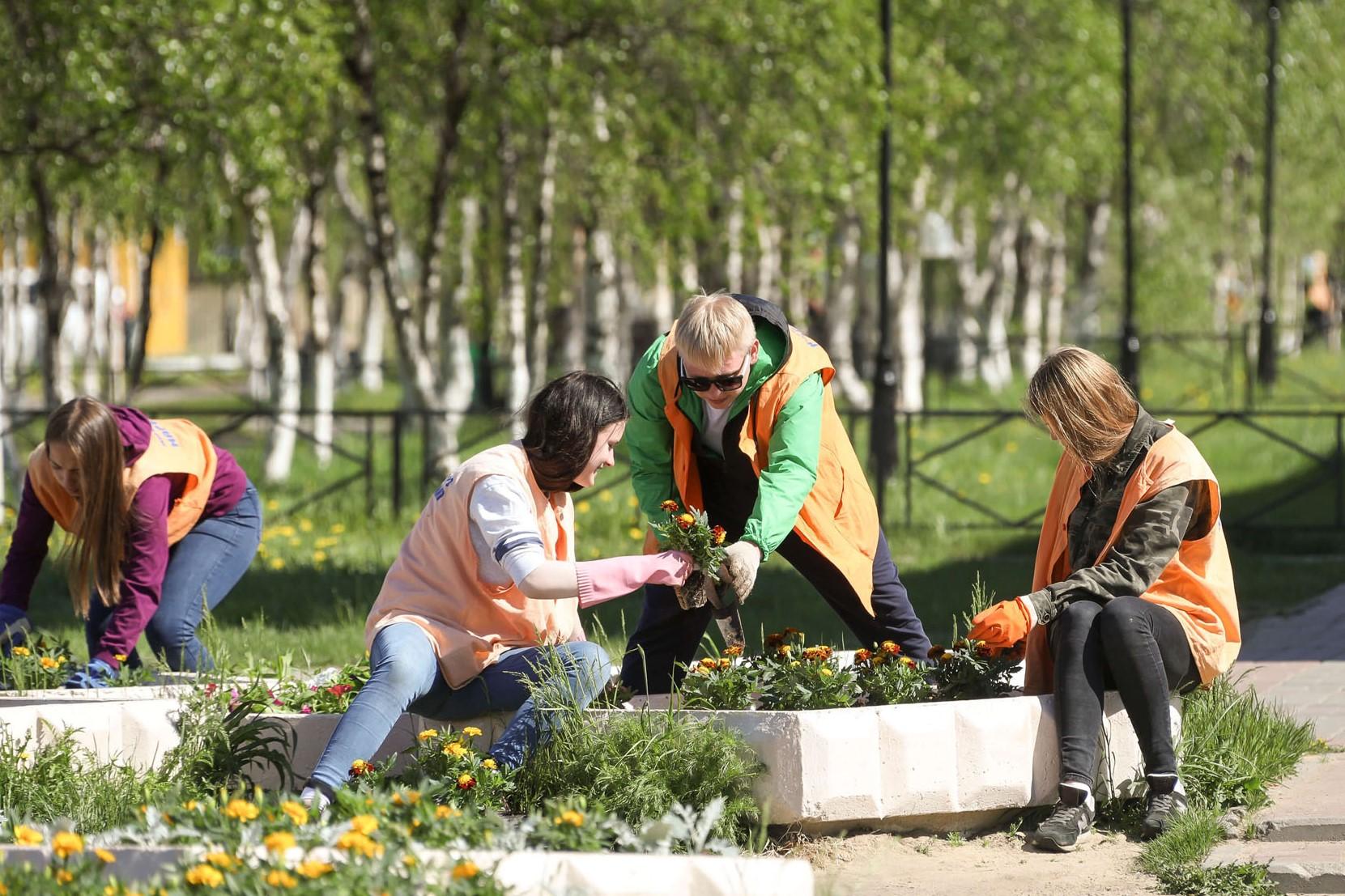 В правительстве области обсудили вопросы временного трудоустройства подростков