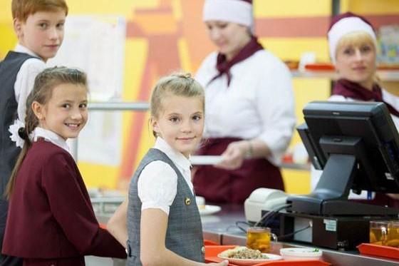 Более 40 безработных гражданин трудоустроены на общественные работы в Северодвинский «Комбинат школьного питания»