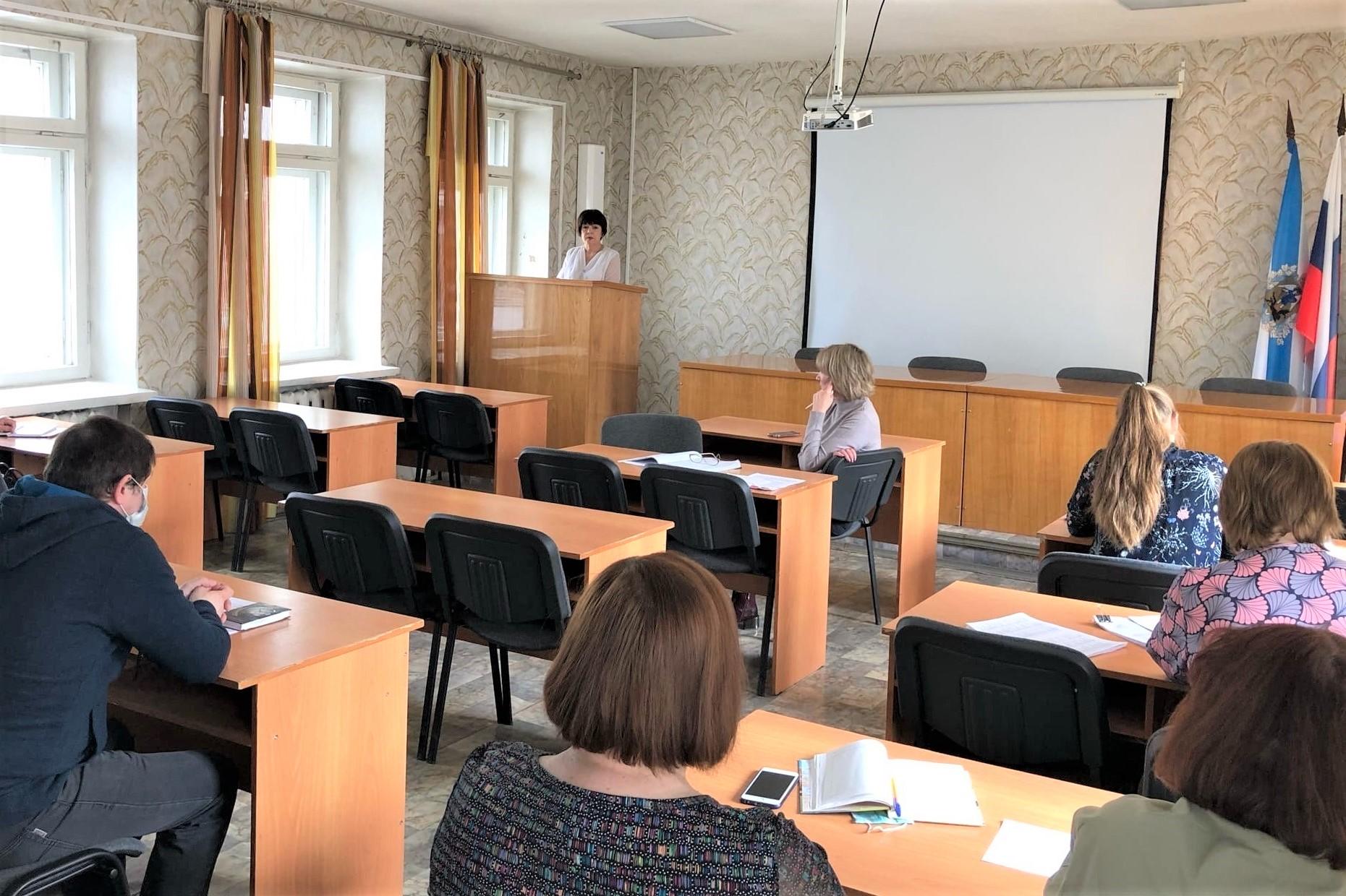 В Устьянском районе состоялось совещание по трудоустройству несовершеннолетних граждан