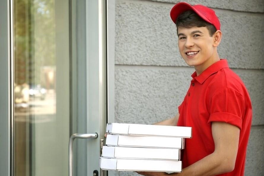 Как подростки могут заработать летом?