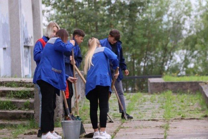 В Северодвинске для подростков создано 240 временных рабочих мест