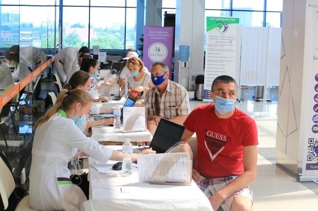 О критериях проведения массовых мероприятий и вакцинации работников рассказала руководитель Роспотребнадзора