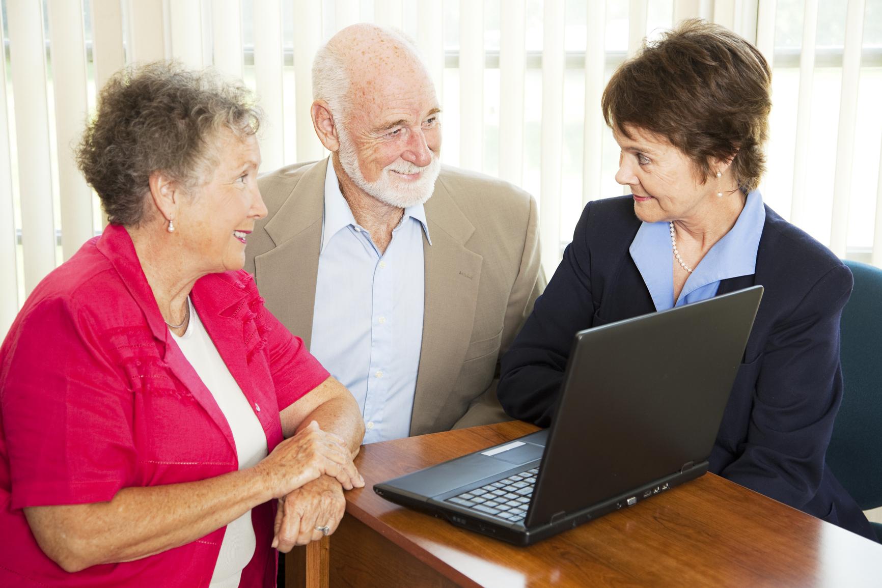 С 1 октября начинают работать консультационные пункты службы занятости и органов соцзащиты