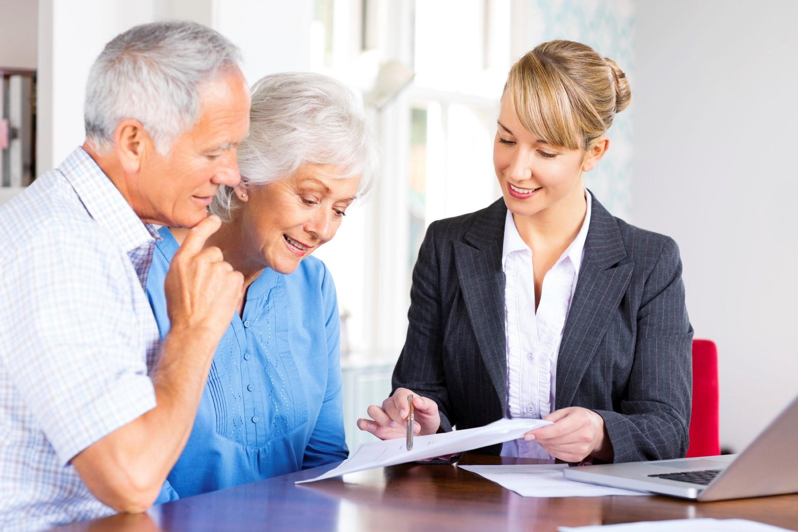 Для пенсионеров и граждан предпенсионного возраста будут работать консультационные пункты службы занятости и органов соцзащиты